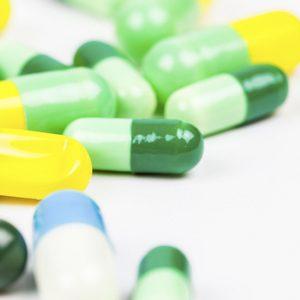Антибіотики при отруєнні у дорослих і дітей