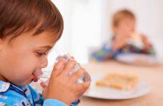 Чим годувати дитину після блювоти, що можна їсти
