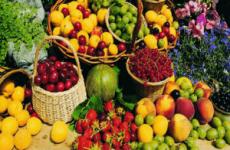 Які фрукти можна їсти при отруєнні дітям і дорослим: лікування