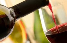 Отруєння вином: перші симптоми і причини, що робити
