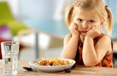 Дієта при отруєнні у дитини: дозволені і заборонені продукти