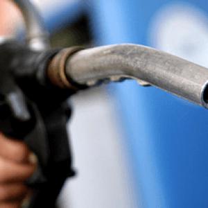 Отруєння бензином і парами: симптоми, перша допомога і лікування