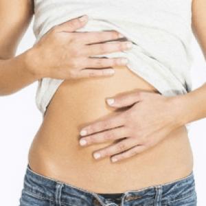 Чому болить живіт після отруєння у дорослих та дітей – що робити, лікування