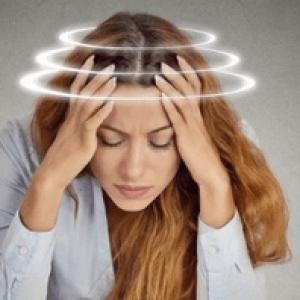 Запаморочення при отруєнні: що робити в домашніх умовах