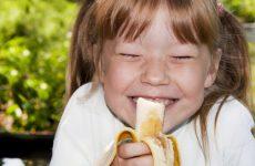 Банани – коли і скільки давати дитині
