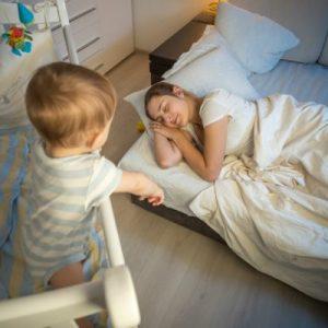 Що робити якщо дитина переплутав день з ніччю – 3 перевірених способу налагодити режим