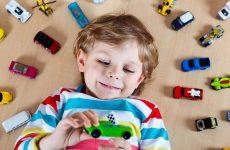 Що подарувати хлопчику на 5 років – вчимося правильно вибирати подарунки