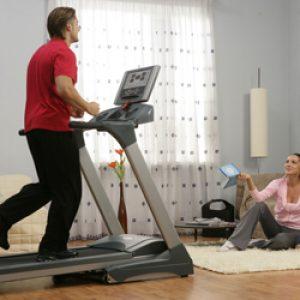 Який кардиотренажер краще вибрати для тренувань на всі групи м'язів і схуднення будинку