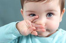 Кров з носа у дитини — причини, перша допомога немовляті