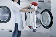 Пух скатався в пуховику і куртці усередині після прання: що робити
