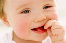 Ріжуться зуби у дитини – як допомогти. Кращі знеболюючі засоби і рекомендації