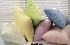 Можна прати подушки в домашніх умовах