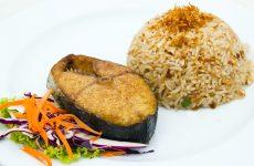 Кращі рецепти приготування скумбрії з рисом у фользі в духовці
