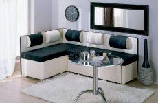 кухонний куточок зі спальним місцем – практичне рішення для маленької квартири