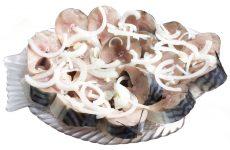 Кращі рецепти скумбрії з оцтом, олією та цибулею