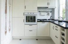 Як зробити мийку на кухні біля вікна
