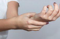 Болять суглоби кистей рук: хвороби, причини і лікування за допомогою методів мануальної терапії