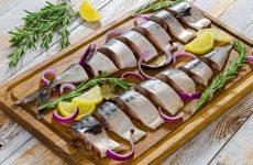Рецепти маринованої скумбрії з цибулею в домашніх умовах