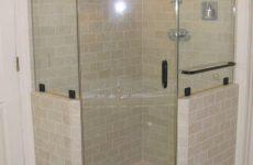 Як почистити ванні фіранки і дверцята душової кабіни