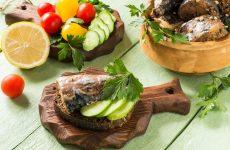 Суп з консервованої скумбрії в маслі – цікаві рецепти смачної страви
