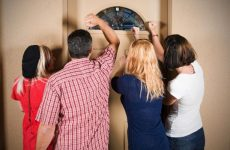 Як відвадити від будинку небажаної людини: замовляння на сіль