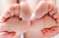Німіє мізинець палець на нозі (правої або лівої): причини і захворювання, способи діагностики і лікування за допомогою методик мануальної терапії