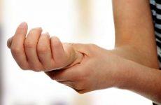 Ниючий біль у кістках, суглобах і м'язах рук