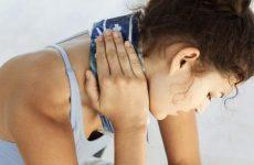Чому німіє обличчя або його частину при шийному остеохондрозі: лікування за допомогою методів мануальної терапії