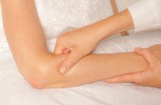 Шишки на ліктях рук: причини їх появи і способи лікування за допомогою методів мануальної терапії