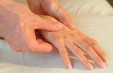 Сухожильний ганглій на руці і нозі: причини, симптоми і лікування