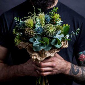Які квіти дарують чоловікам на день народження і свята, і дарують взагалі