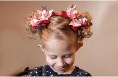 Новорічні зачіски для дівчаток