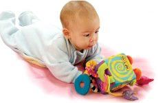 Що повинен уміти дитина в 3 місяці