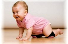 Як навчити дитину сідати