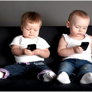 Мобільний телефон для дитини