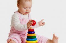 Розвиток дитини в 1 рік і 7 місяців