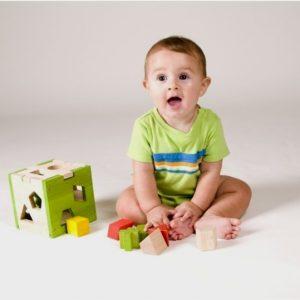 Чим зайняти дитину в 1 рік