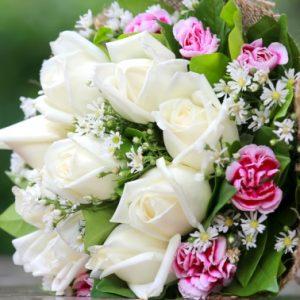 Які квіти подарувати на день народження – кращий букет для дівчини