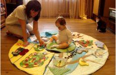 Розвиваючий килимок своїми руками