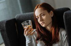 Вживання алкоголю – поширена причина ПМС?
