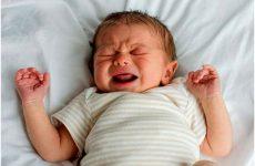 Пітніє голова уві сні у дитини