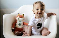 Розвиток дитини в 1 рік і 5 місяців