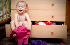 Як навчити дитину одягатися самостійно
