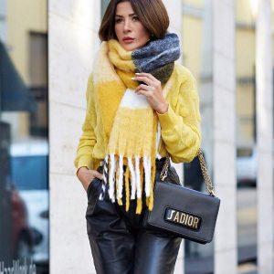 Як носити модний шарф 2020-2021 – топові ідеї образів з шарфами, новинки і тренди шарфів