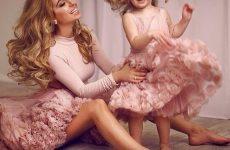 Красиві сукні для дівчаток 2019-2020 роки: кращі ідеї образів для юних принцес