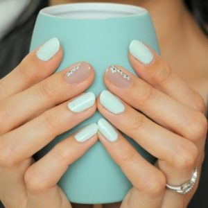 Модний м'ятний манікюр 2019-2020 роки, ідеї м'ятного манікюру, дизайн нігтів в м'ятному кольорі, фото