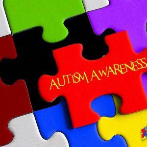 Дитячий аутизм — період прояву симптоматики