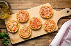 Міні-піци з листкового тіста: рецепт з фото маленької, але дуже смачної випічки