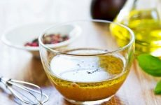 Гостре масло для піци: рецепт з фото, як зробити цю оливкову мастило і приготувати з неї пікантне блюдо як у піцерії Эльпатио, відповімо як його використовувати і навіщо.