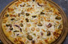 Піца з морським коктейлем: рецепт з фото, покроково, в начинці з замороженими морепродуктів, сиром і помідорами
